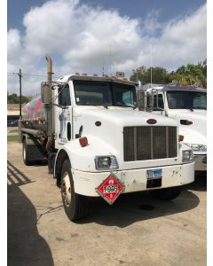 USED 2004 PETERBILT 2800 GAL 4 CMPT BOBTAIL TRAILER FOR SALE
