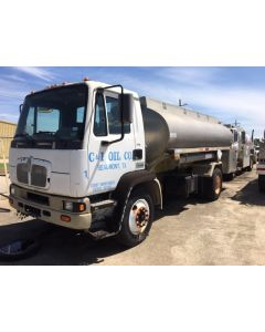 USED 2001 KENWORTH 2500 GAL BOBTAIL TRAILER FOR SALE